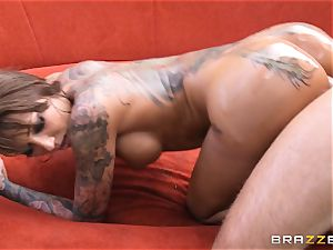 inked diva Bella Bellz anal by the pool