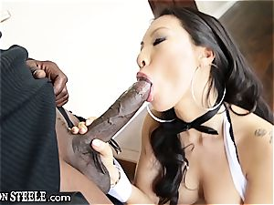 chinese diva Asa Akira takes all ten inches of Steele