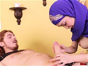 Jericha Jem - Arabian Hijab hand job 08.06.2017