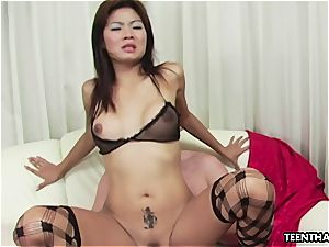 japanese tramp getting her raw vag hammered