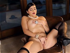 spunky stunner Valentina Nappi looks astounding as she plays