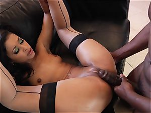 flesh Diamond gets her face blasted with steamy jizz