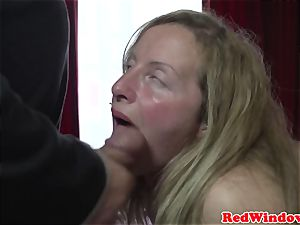 Mature amsterdam hooker gets doggystyled