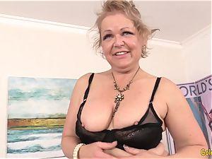 A Machine Makes grannie Kelly Leigh jism