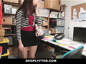 Shoplyfter - Troublemaking teenage pokes To Not Go To prison