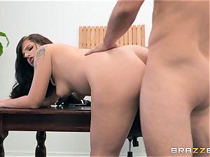 Scarlett Mae deep vulva hitting interview