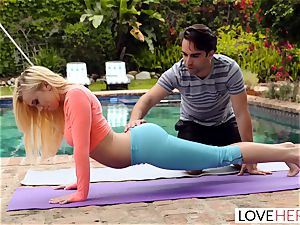 LoveHerFeet - sole idolizing Yoga Class