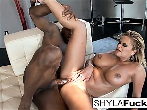 Shyla Takes A large spear