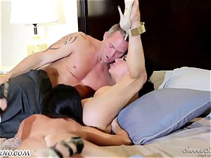 Veronica Avluv and India Summer - My dear hubby, you want to try my friend's cootchie