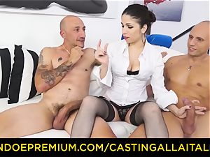 audition ALLA ITALIANA - red-hot mummy has dual buttfuck fun