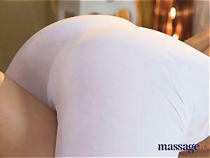 rubdown rooms huge natural udders girl-on-girl orgasm hook-up