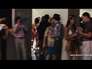 Margot Robbie nude in The otter of Wall Street