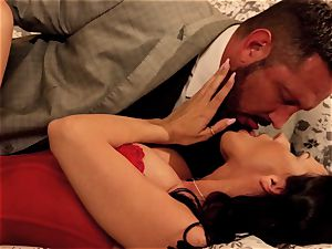Indiscretions Sn 2 exclusive tearing up with Rachel Starr