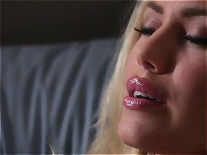 Nicole Aniston fondles her self to sleep every night
