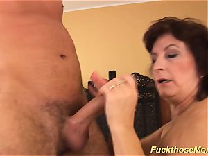 facial on chesty hairy mom