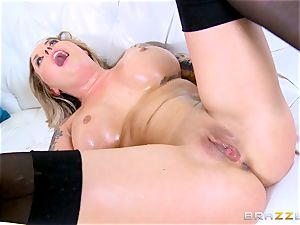 Payton West gets a humungous shaft that makes her spray