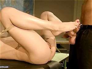 Lily likes gets her sugary snatch pummeled deep with her boyfriend's chisel