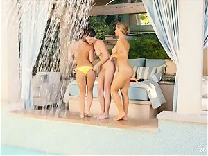 mind-blowing lesbians Nicole Aniston and friends poolside cooch joy