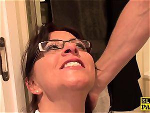 bdsm brit Amber splashes before facial cumshot predominance
