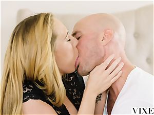 VIXEN red-hot secretary Carter Cruise Lets her manager Do Whatever he Wants to her