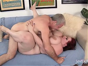 Breasty bbw Eliza Allure's vag drilled