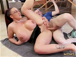 fledgling cougar gloryhole first-ever time big hooter Step-Mom Gets a massage