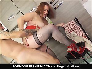 casting ALLA ITALIANA - Italian mature deep ass fucking screw