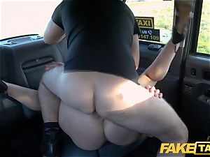 fake cab light-haired milf Victoria Summers boned in a taxi