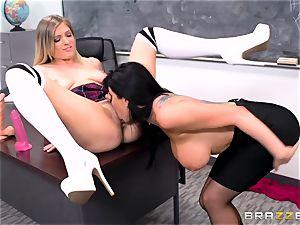 strict professor Romy Rain penalizes her horny schoolgirl in miniskirt Giselle Palmer