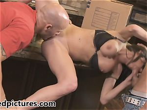 Veronica Avluv gets her vengeance with a molten threesome