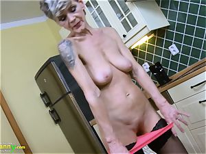 OldNannY insane mature Lusty Solo Showoff Footage