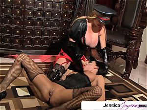 watch Taylor Wane fuck Jessica Jaymes like a super-bitch