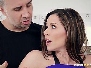 Kendra fervor ravaging the fitness trainer