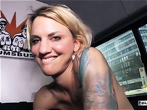 backsides BUS - torrid van fuck-fest with super hot German blondie