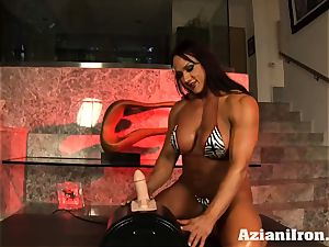 Amazon queen Amber Deluca likes her sybian saddle ejaculation